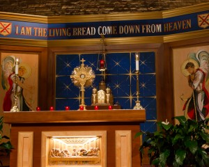 Monstrance.Tabernacle.altar